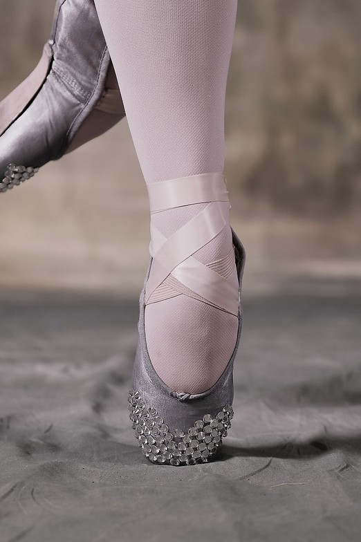 Dancer injuries in the hip, knees, and foot-ankle